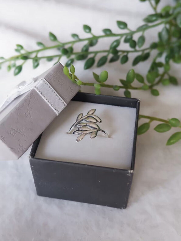 victory olive ring